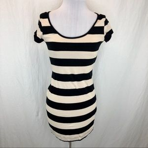 H&M t-shirt mini dress black/tan striped - small